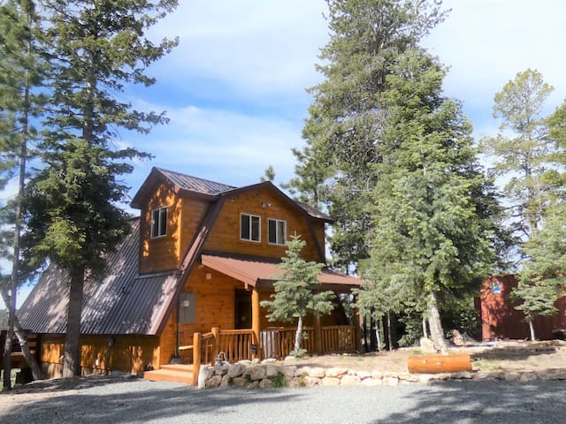 Mountain Lookout Chalet - Family/Pet Friendly