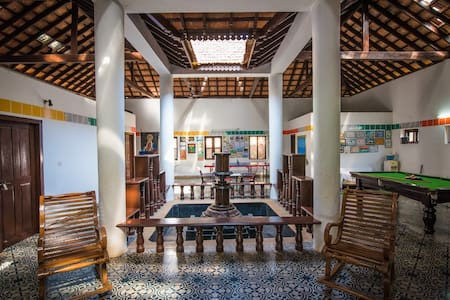 Kundapura Homestay: AC Rooms by the Beach