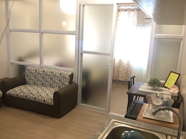 A homey & comfy condo@ d center of Manila w/ wifi