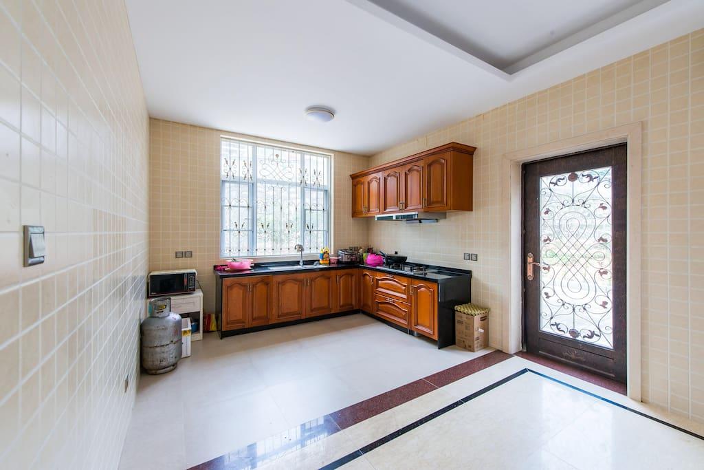一楼自助厨房