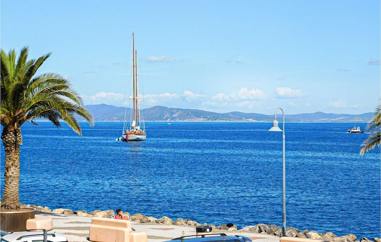 Holiday apartment with 2 bedrooms on 75m² in Porto Santo Stefano