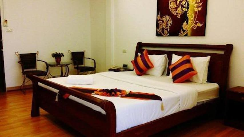 Comfortable room in great location, Khon Kean - Khon Kaen - Apartment