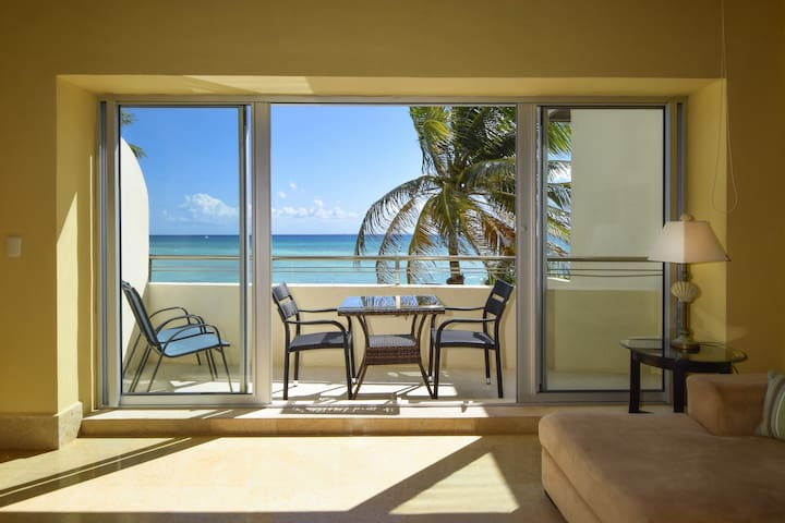 Incredibly low rate on 2 bdrm Oceanfront! OP12