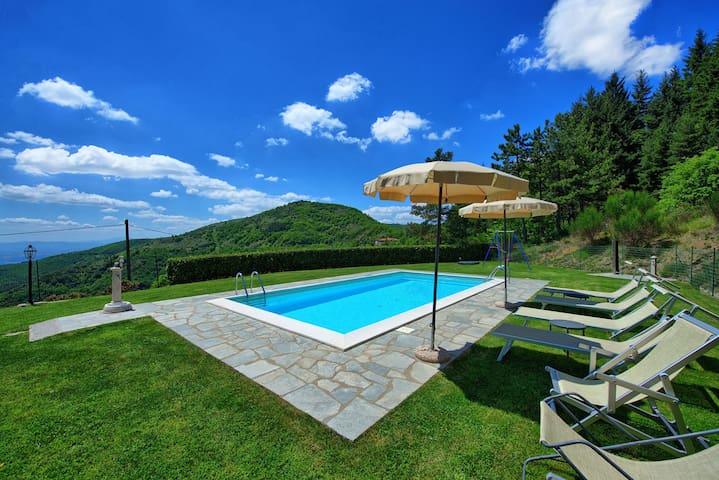 Villa Portole Due - Holiday Country Villa with swimming pool in Cortona, Tuscany