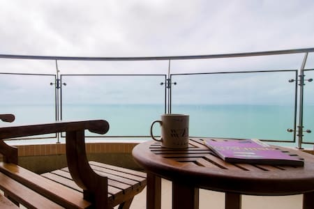 Private Beachfront Penthouse with Panoramic View - Cha-am - Wohnung
