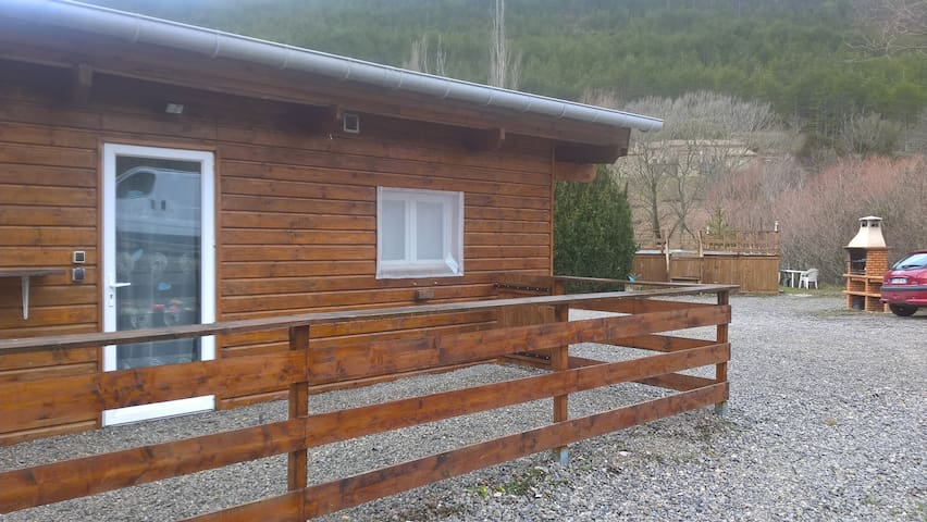 """L' OR DU TEMPS "" chalet appart confortable 4 pers"