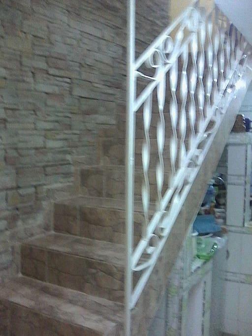 escalera para las habitaciones no 2 y no 3