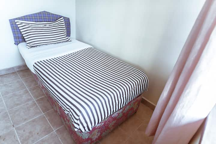 FOURWAYS JUNCTION VILLA  - ( ECONOMY ROOM)