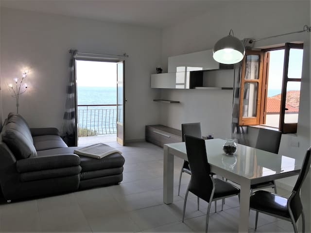 The terrace on the sea - Sant'Ambrogio - House