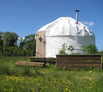 Beautiful Yurt in Dorset - Corfe Mullen