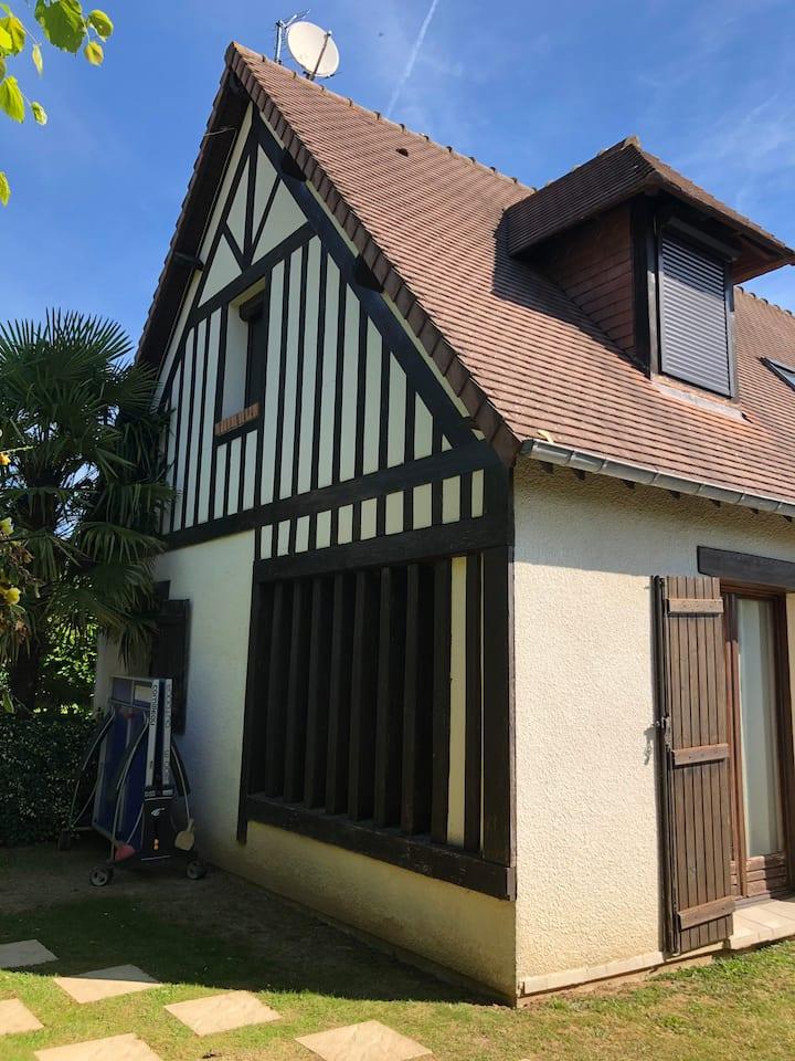 Maison  180m2, 5 mn Deauville 5 chambres, piscine
