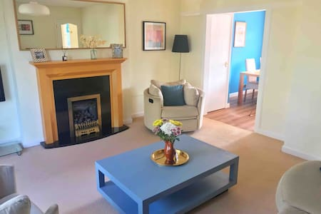 Spacious 4 bedroom flat with garage