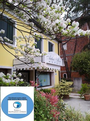 "Hotel economico ""Antico Moro"" Venezia-Zelarino"