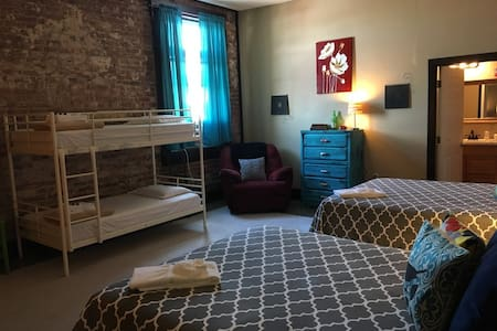 Appel & Glessner Room