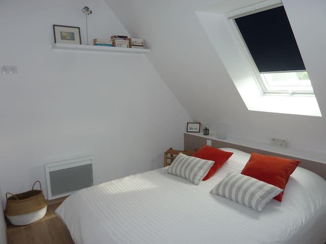 chambre avec lit de 160