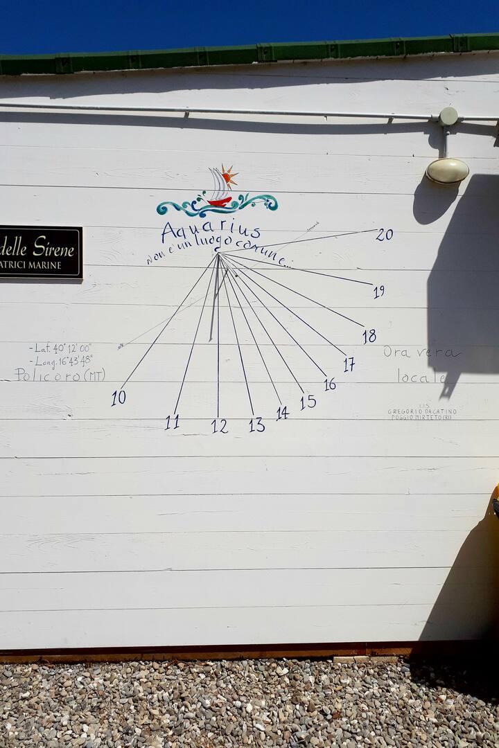 Orologio solare costruito a Policoro