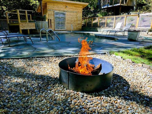 Firepit near the pool