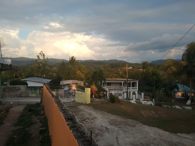 Thompson's Country-Side Inn