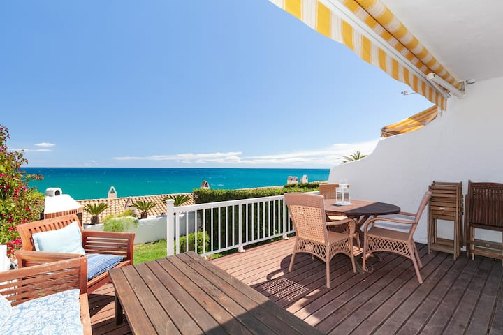 BEAUTIFUL HOUSE IN CALA CRANCS BEACH OVERLOOKING THE SEA IN SALOU S307-192 CASAS BLANCAS