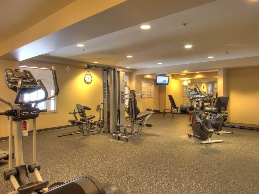 Full service gym