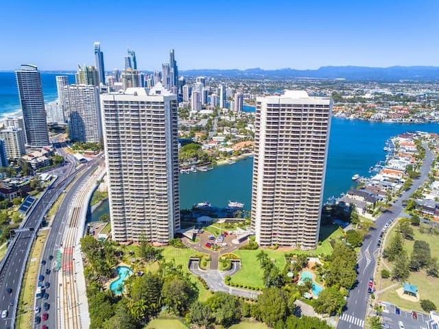 Atlantis Gold Coast - 5 Star Residential Resort