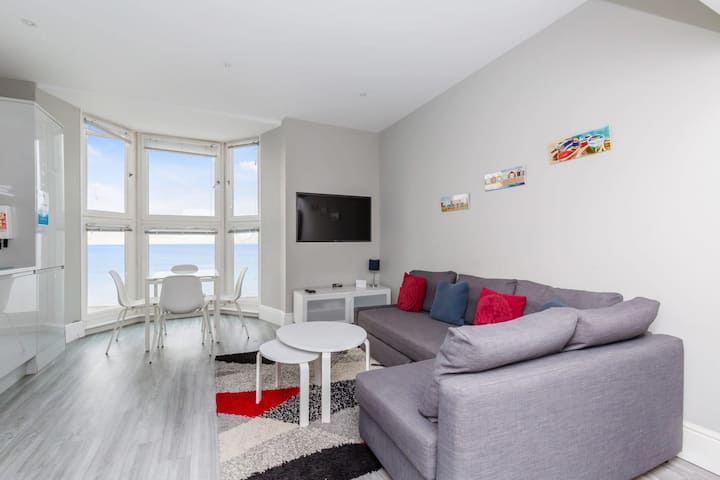 Direct sea view 1 BED ROOM APARTMENT