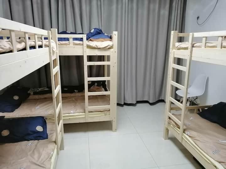浪迹天涯森森公寓男生6人间(1个床位)