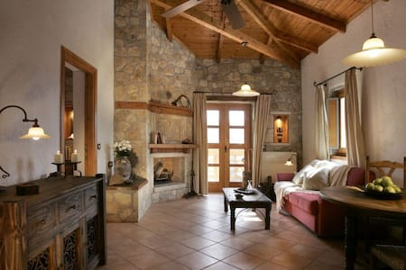 Family Suite with Balcony E - Ampeliona