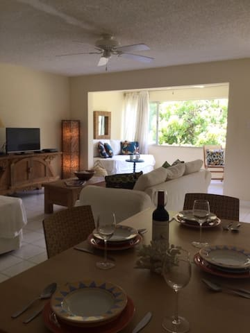 1 BDR CARIBBEAN WATERFRONT APT BEACH ACCESS - Montego Bay - Apartament