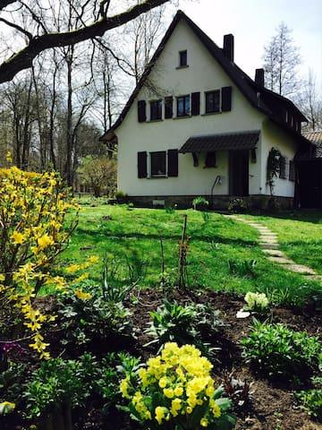 Traumhaftes Landhaus vor Darmstadt - Roßdorf - Rumah