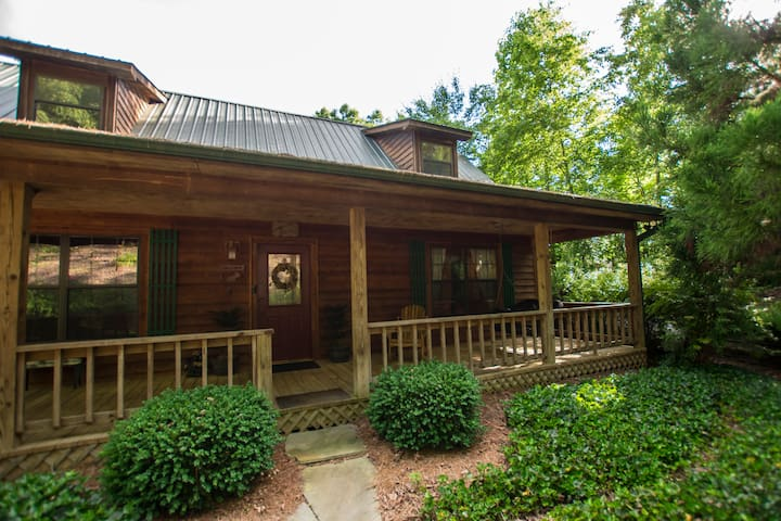 Hunker Down by the Creekbank in this Cozy Private