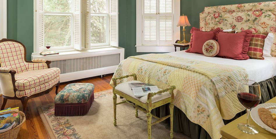 The Carolina Room