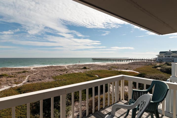 Rams-Great oceanfront townhome with some of the best views on the island