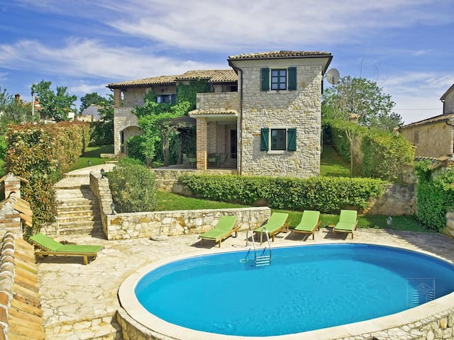 5-room villa 130 m² Prunella