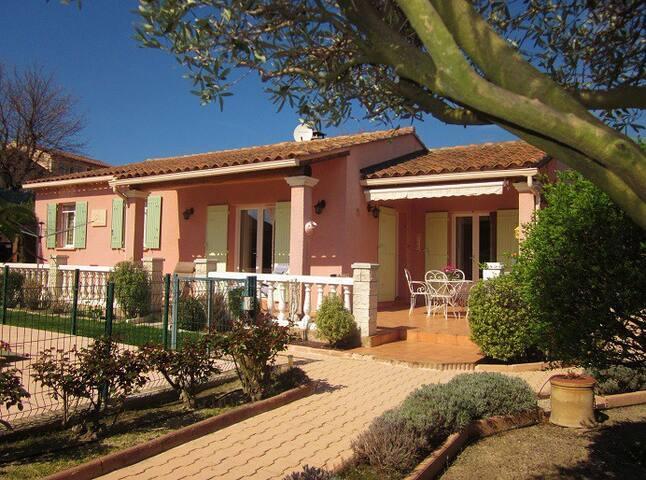 Bienvenue au hameau provençal!