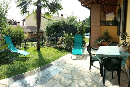 casa con giardino zona lago garda - Reihenhaus