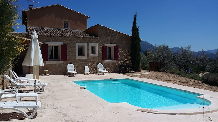 Provençal stoned cottage with swimmingpool. - Propiac - Willa