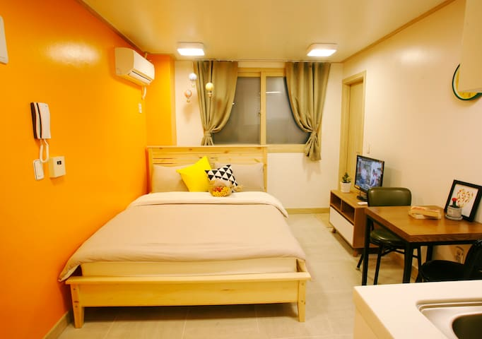 ★Hongdae,Seoul★ clean Double bed Studio for 2ppl★