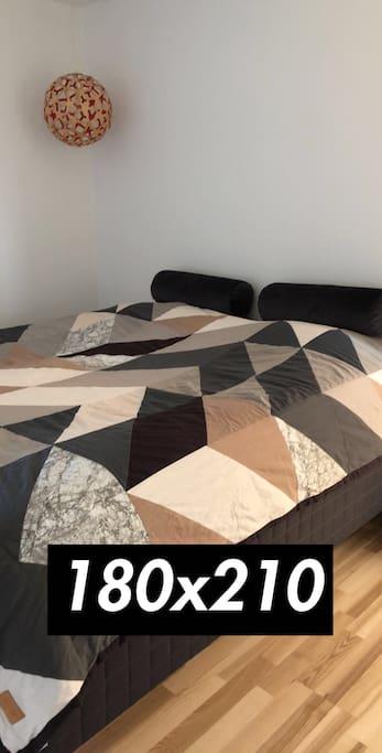 Bed 180x210