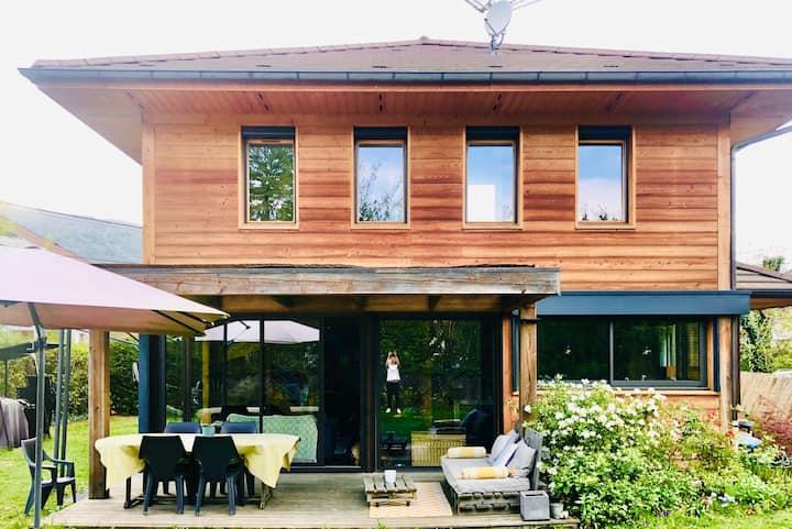 Maison bois proche du lac d'Annecy