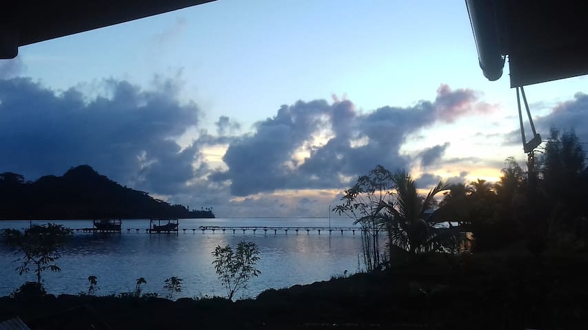 Maison bord de mer à Taha'a
