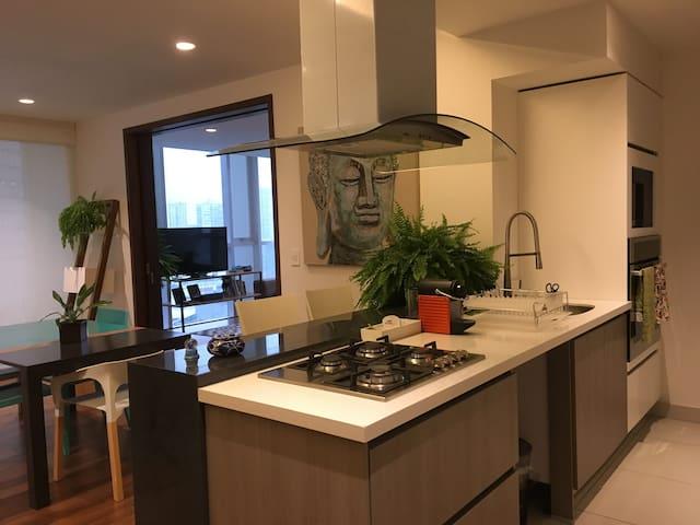 Bright Santa Fe Apartment - Ciudad de México