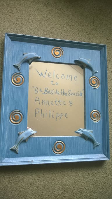 Personal Welcome Board mirror
