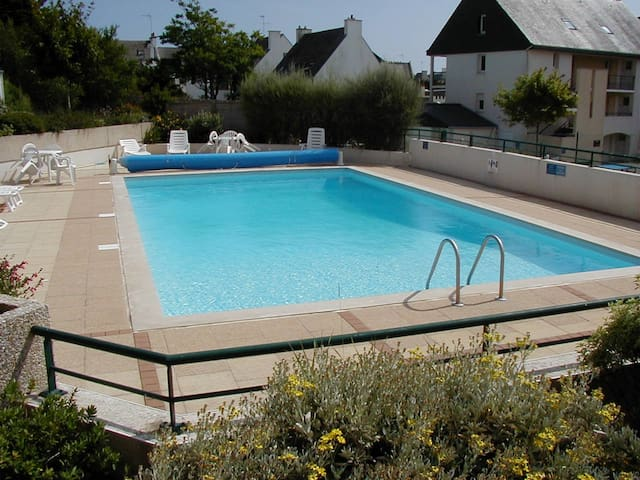 studio bord de mer avec piscine ETEL. BRETAGNE