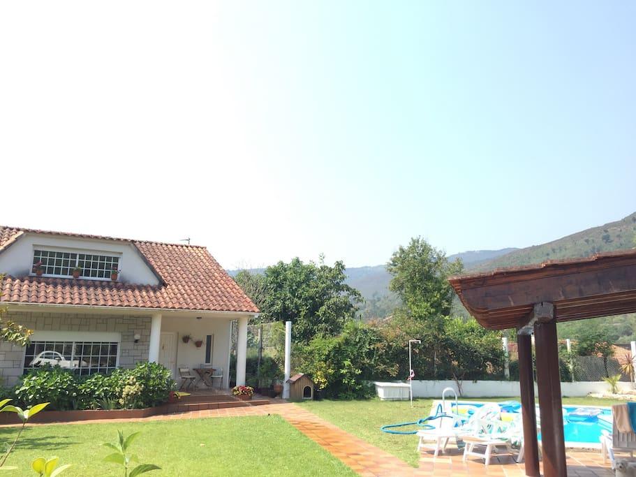 Casa con piscina en el r o mi o casas en alquiler en - Alquiler casa mino ...