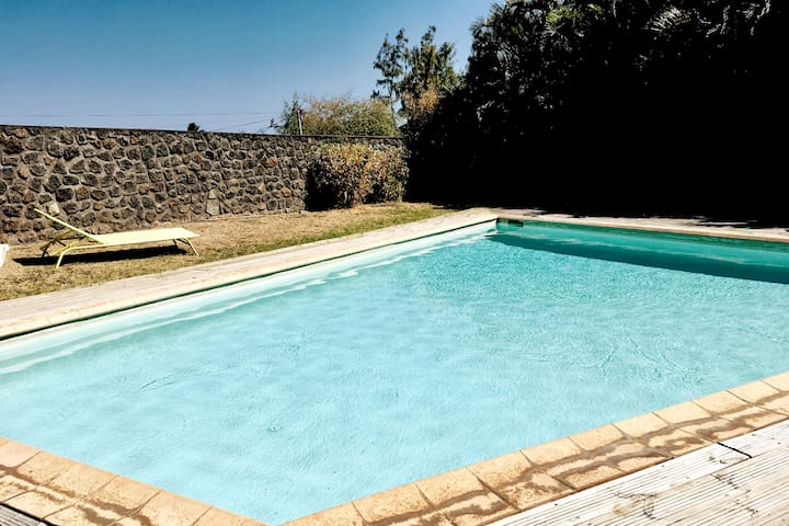 """Appart """"Hibiscus"""" au cœur du lagon-piscine privée"""