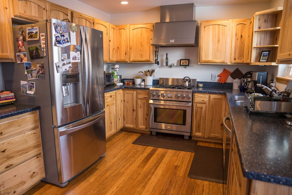 Shared kitchen with full amenities for your use