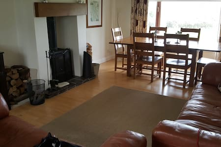 Homely Stay: Alton Towers/Uttoxeter - Leigh