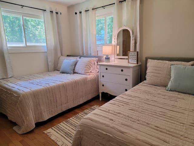 "2 Full Size Beds  32"" Smart TV"