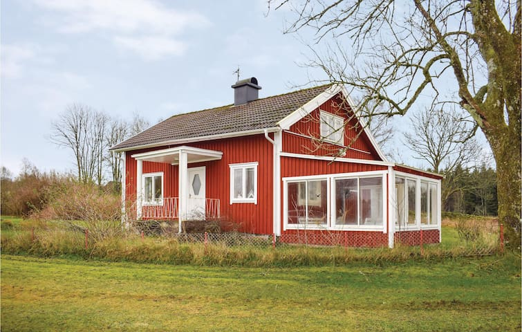 Holiday cottage with 3 bedrooms on 90m² in Strö (Hidden by Airbnb) äsbruk